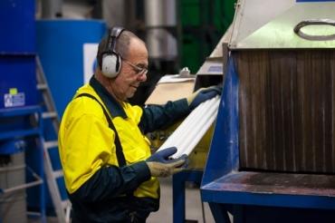 fluro_tube_recycling_hazardous_waste_safety_technical_services1
